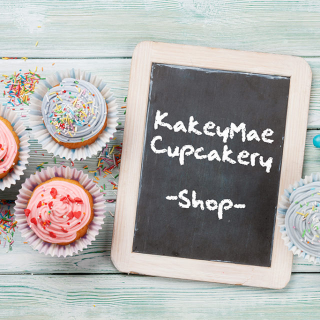 https://kakeymae.com/wp-content/uploads/2019/01/sweet-cupcakes-with-colorful-decor-PUR4A2H-640x640.jpg